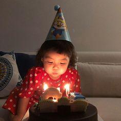 Cute Little Baby, Little Babies, Cute Babies, Ulzzang Kids, Korean Babies, 15th Birthday, Aesthetic Iphone Wallpaper, Mini Me, Children