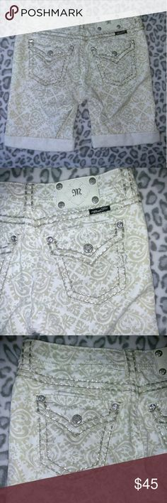 Ladies Miss me cargo Bermuda shorts size 28 NEW! Beautiful ladies Miss me shorts size 28. Shorts are bermuda shorts and new without tags. Miss Me Shorts
