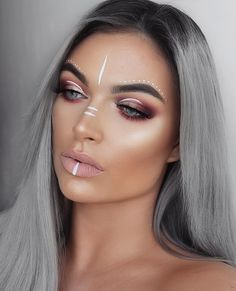 How awesome is this Libra Queen make up. I think this would look great with almost any Boho Outfit and would really make a gal stand out! | Boho Fashion 2017