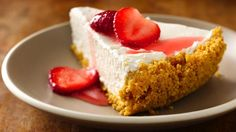 Enjoy this no-bake cheesecake that's crusted with Dulce de Leche Cheerios® cereal and topped with strawberries – a mouthwatering dessert.