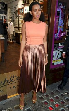 a76ea451977 Beautiful Best Celebrity Fashion Styles 2019   65+ Best Solange Knowles  Style http
