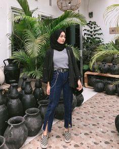 Simple Hijab, Casual Hijab Outfit, Ootd Hijab, Hijab Chic, Modern Hijab Fashion, Street Hijab Fashion, Hijab Fashion Inspiration, Fashion Outfits, Ootd Poses