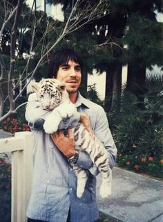 Anthony Kiedis AND A BABY TIGER!