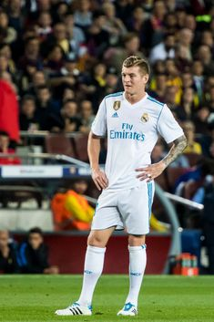 Toni Kroos of Real Madrid looks on during the La Liga match between Barcelona and Real Madrid at Camp Nou on May 2018 in Barcelona, Spain. Get premium, high resolution news photos at Getty Images Toni Kroos, Camp Nou, Real Madrid, James Rodriguez, Sports Images, That Look, Soccer, Football, Running