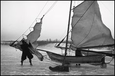 Leonard Freed - Amsterdam. 1964. Ice boats.