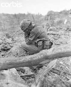 A US Marine weeps after killing a Japanese soldier, Battle of Peleliu Island, WWII World History, World War Ii, Battle Of Peleliu, South Pacific, Vietnam War, Military History, Old Photos, American History, Wwii