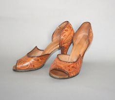1940s Mexican TOOLED Heels / WWII Era Brown by lolanyevintage, $95.00
