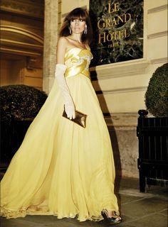 NIEVES AVAREZ: Haute Couture by Mario Sierra. Vol. 2.