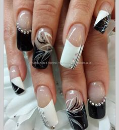 Black and white flick nail art with swarovski crystals Taken PM Uploaded PM Technician:Elaine Moore Beautiful Nail Designs, Beautiful Nail Art, Gorgeous Nails, Fabulous Nails, Pretty Nails, Black And White Nail Art, White Nails, Black White, Nail Art Designs