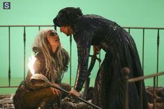 Once Upon a Time in Wonderland - Episode 1.09 - Nothing to Fear - Promotional and BTS Photos  (15)