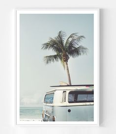 Kombi Bus Beach Print by Little Ink Empire. Retro Beach House, Beach House Decor, Kuala Lumpur, Palm Springs, Gifts For Surfers, Van Wall, Vintage Surf, Palm Tree Print, Beach Wall Art