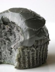 Cheese tried to make this grey cupcake. Not as easy as it looks. Kos, Culinary Classes, Food And Thought, Reduce Appetite, Cookie Crumbs, Biscuit Cookies, Good Enough To Eat, Cake Shop, Food Hacks
