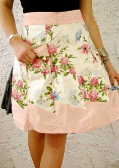 Vintage Pocket Full Of Posies Apron by dirtycityvintage on Etsy, $29.00