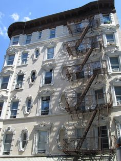 Lower East Side, NYC. Nueva York by voces, via Flickr