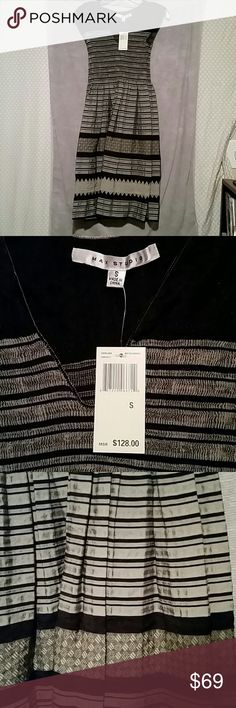 MAX STUDIO sizes XS or S available New with tags Max studio dress size small colors are black gray and cream 36% rayon 31% polyester 25% nylon 7% cotton 1% spandex Beautiful spring dress Max Studio Dresses