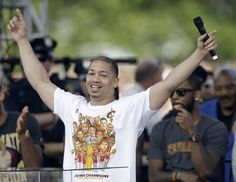 Tyronn Lue's dream week got even better on Thursday afternoon when he received a phone call from President Barack Obama, congratulating the Cavs head coach on winning the 2016 NBA championship and praising the team for tireless work and relentless determination.