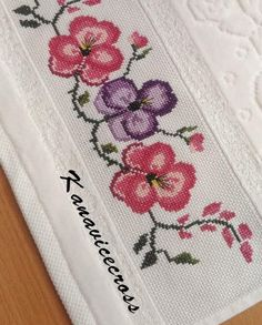 Cross Stitch Baby, Cross Stitch Patterns, Violet, Cross Stitching, Crochet Lace, Diy And Crafts, Doodles, Embroidery, Elsa