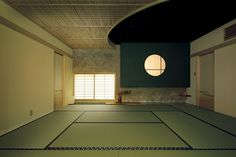 One of the examples of the Modern Tokonoma BY Sekisui House Japanese Restaurant Interior, Japanese Interior, Japanese Architecture, Interior Architecture, Room Interior, Interior Design Living Room, Japanese Modern House, Washitsu, Tatami Room
