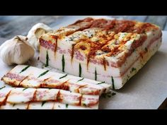 Вкуснее любого мяса   Фаршированное Сало - YouTube Кабачки, Суши, Бутерброды, Чизкейк, Мясо, Овощи, Десерты, Закуски, Свинина