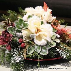 Новогодняя композиция от Цветочной Студии АГАВА
