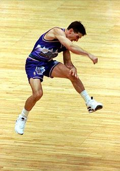 John Stockton sends the Utah Jazz to the NBA Finals. One of the greatest moments ever in Jazz history. Jazz Basketball, Basketball Pictures, Basketball Legends, Basketball Uniforms, Basketball Players, Basketball Stuff, Sports Teams, Sports Images, Sports Photos
