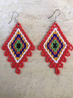 Claudia's Huichol beaded earrings 2 long by ArtesaniasBatyah Seed Bead Necklace, Seed Bead Jewelry, Beaded Earrings, Beading Tutorials, Beading Patterns, Beadwork Designs, Bead Loom Bracelets, Native Beadwork, Handmade Beaded Jewelry