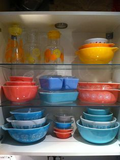 Pyrex collection <3...I have the set on the bottom left...