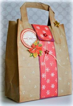Gifts wrapping ideas for christmas bags 35 Ideas for 2019 Paper Bag Crafts, Paper Gift Bags, Paper Gifts, Christmas Gift Bags, Christmas Gift Wrapping, Creative Gift Wrapping, Creative Gifts, Wrapping Ideas, Homemade Gift Bags