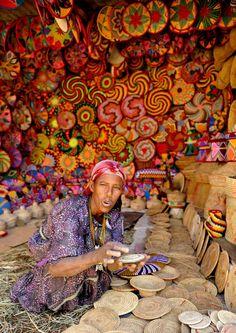 Africa | Baskets for sale in Aksum, Amara, North Ethiopia | ©Hanka Kurczyna