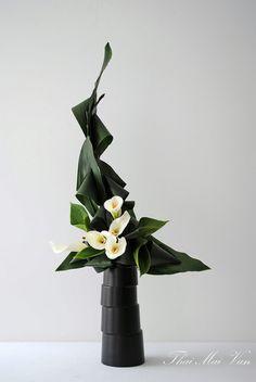 Simple Flower Arrangement with Callas