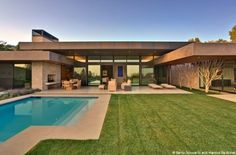 Trousdale Residence. Architecture by Marmol Radziner.