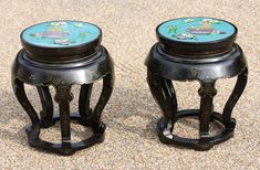 Stunning Pair Of Chinese Cloisonné Lacquer Tables - Antiques Atlas Chinese Table, Antique Chinese Furniture, Yellow Vase, Turquoise Background, Green Table, Greek Key, Solid Brass, Bar Stools, Art Decor