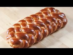 Achtstrangzopf / 8 Strangzopf aus Hefeteig flechten / braiding with 8 strands Challah Bread Recipes, Best Homemade Bread Recipe, Levain Bakery, Braided Bread, Bread And Pastries, Pie Dessert, Sweet Bread, Creative Food, Cake Recipes