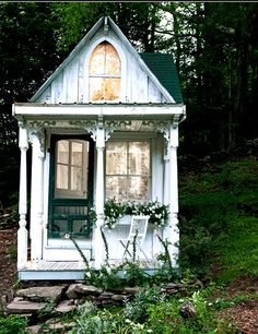 Teeny tiny, guest house