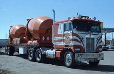 This Kenworth leased to Eagle Motor Lines when I photographed sitting at the 76 truck stop in Milwaukee,Wis in May of Big Rig Trucks, Dump Trucks, Cool Trucks, Diesel, Cement Mixer Truck, Model Truck Kits, Cool Car Pictures, Truck Transport, Dump Trailers