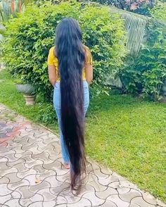 Really Long Hair, Super Long Hair, Long Black Hair, Beautiful Long Hair, Loose Hairstyles, Layered Cuts, Dream Hair, Female Images, Sasuke