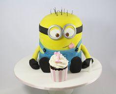 Minion loves Cupcakes - by DevilishCakesKiama @ CakesDecor.com - cake decorating website