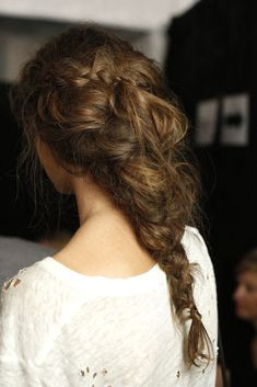 Knotted back with braids<3 ­