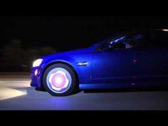 Tecnologia faz roda de carro virar tela +http://brml.co/1NGYCbC