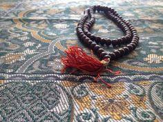 Muslim Prayer Beads - Cameran Ashraf/Getty Images