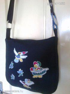 b18814a7b0e2 Hímzett madarakkal virágokkal pöttyökkel fekete szövet táska - 20000 Ft -  Nézd meg Te is Vaterán