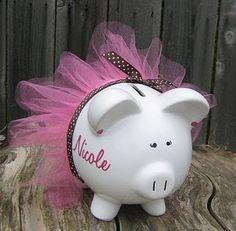 piggy bank                                                                                                                                                                                 Más
