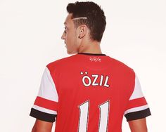 Mesut Ozil in his new Arsenal jersey.