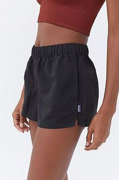 Easy pullon shorts from Patagonia crafted from waterrepellent nylon for a casual look. Cut in a loose fit and topped with an elastic waistband and slip pockets at the hips. Dedicated to creating the best products while causing the least environmental harm Patagonia continuously creates the best gear out there. Content  Care     100 Nylon    Machine wash    Imported   Size  Fit      Model is 59 and wearing size Small     Measurements taken from size Small    Waist 29    Rise 10    Inseam 4… Jeans Urban Outfitters, Urban Outfitters Style, Look Con Short, Patagonia Shorts, Patagonia Baggies, Patagonia Outfit, Tokyo Street Fashion, Short Outfits, Cute Outfits With Shorts