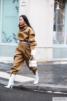 Street style at Paris Fashion Week Fall 2018 Fall Winter Outfits, Autumn Winter Fashion, Mode Streetwear, Designer Streetwear, Streetwear Fashion, Looks Street Style, Inspiration Mode, Cool Street Fashion, Paris Fashion