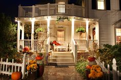 The entrance to the West Oaks Inn Bed and Breakfast