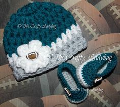 NFL Philadelphia Eagles inspired baby hat and booties by LadybugLB