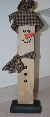 Cute snowman made from a painted decorated 2 x 4 wood 2x4 Crafts, Snowman Crafts, Primitive Crafts, Wooden Crafts, Decor Crafts, Holiday Crafts, Christmas Wood, Primitive Christmas, Christmas Snowman