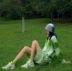 Ulzzang, Rain Jacket, Windbreaker, Hats, Jackets, Style, Fashion, Swag, Moda