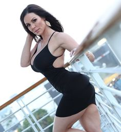 Beautiful Moms In Tight Dresses(Photo Gallery)-Please check the website for more pics